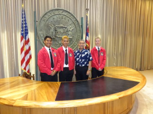 Braxton Ah Nee, Mason Silva, and Tieman Kehoe visint with Governor Ige.